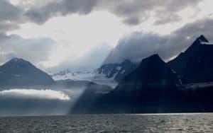 Norwegen-Wolkenspiel_im_Lyngenfjord_(2)