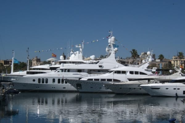 Luxury superyachts for charter
