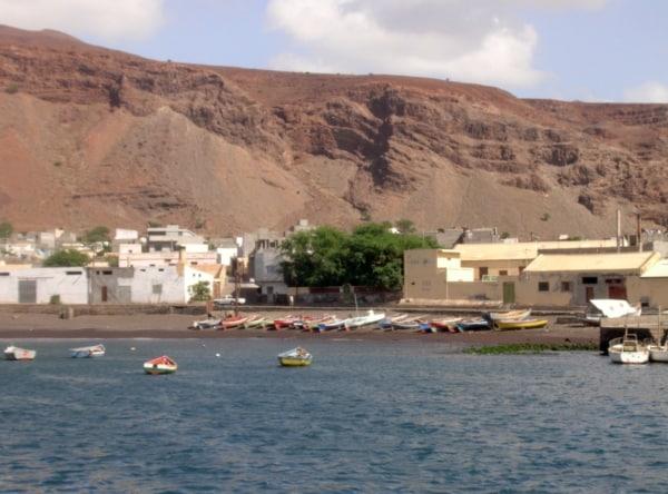 Cape-Verde-Islands-fishing boats800