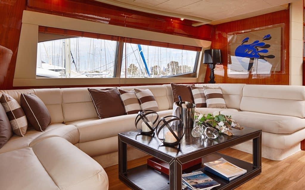 Motor-Yacht-AMOR-Large-sofa-1