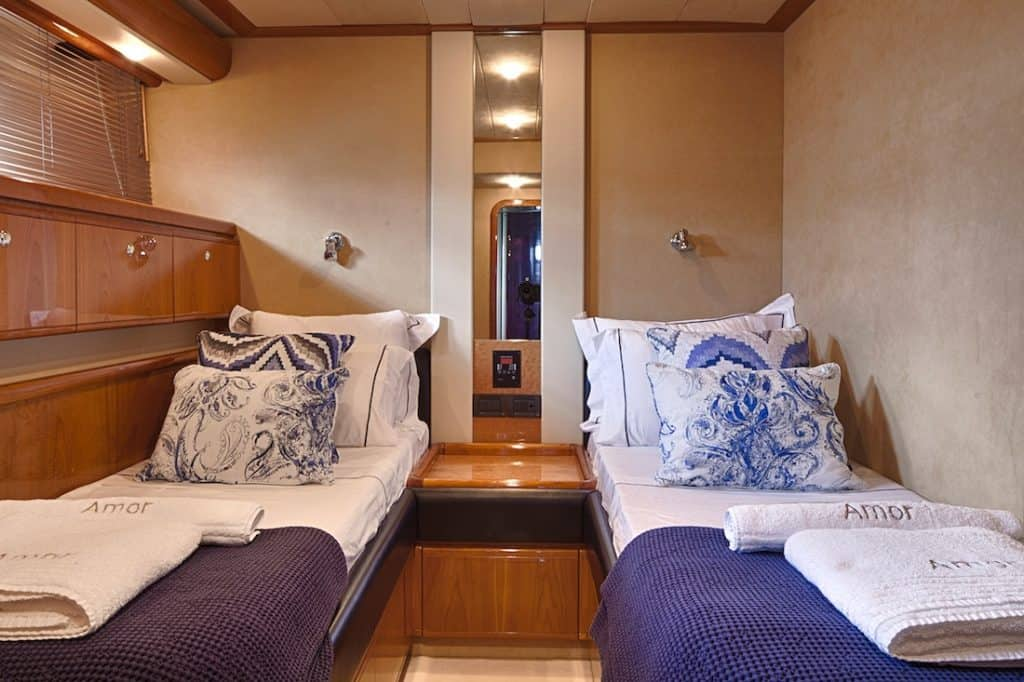 Motor-Yacht-AMOR-Twin-cabin-1-1