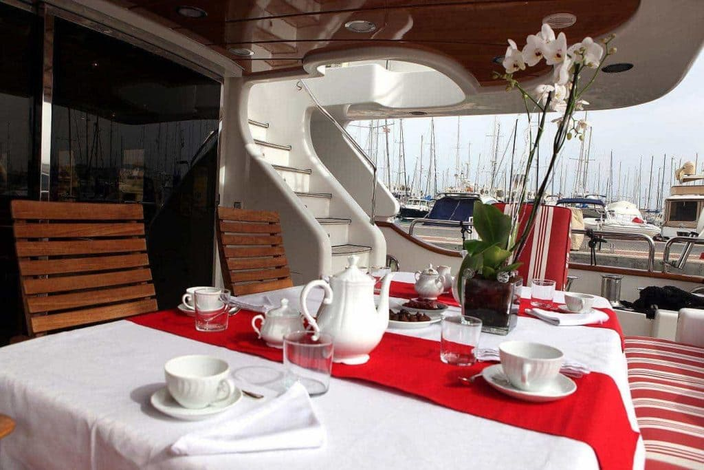 04-ANYPA-Aft-deck-2