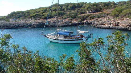 Motovelero Bahia de Palma de Mallorca