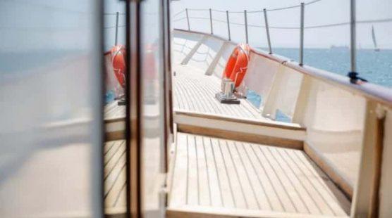 Yate de motor clásico – Mallorca e Ibiza