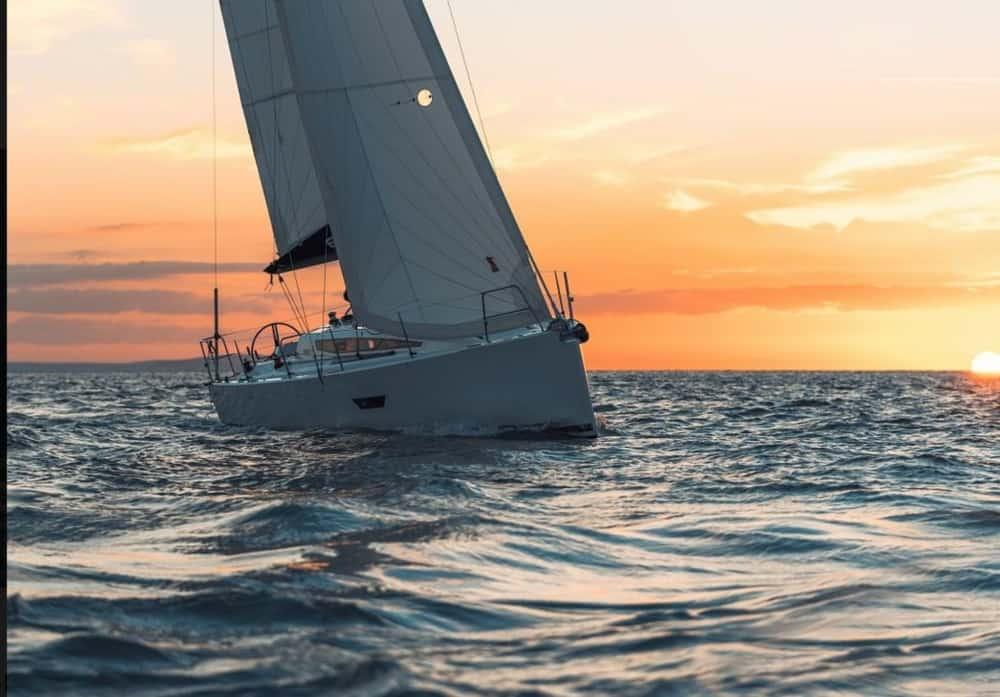 Schnell Segeln – Performance-Charteryachten