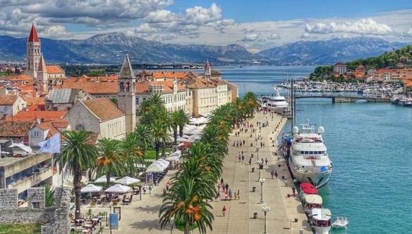Yacht charters Trogir - Croatia
