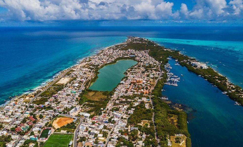 Mexico Yacht Charter Base Isla Mujeres Cancun
