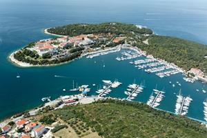 Yachtcharter Kroatien Istrien-Pula.jpg