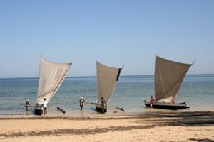 Madagscar-Fischerboote-Pirogen