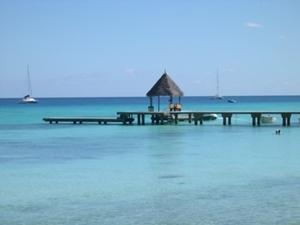 Polynesien_Dinghy_Dock