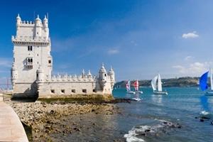Portugal - Yachten vor dem Turm von Belem