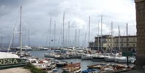 Italy-Naples-yacht-harbour_(2).jpg
