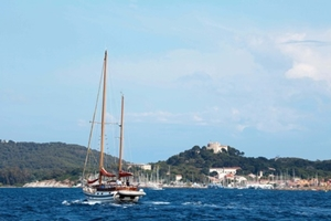 yacht-charters-France-Cote-d-Azur-Hyeres_Hyeres.jpg