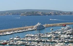 Yachtcharter_Luxusyachten_Mallorca_Puerto_Portals