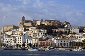 Balearen_Ibiza_Stadt_Hafen